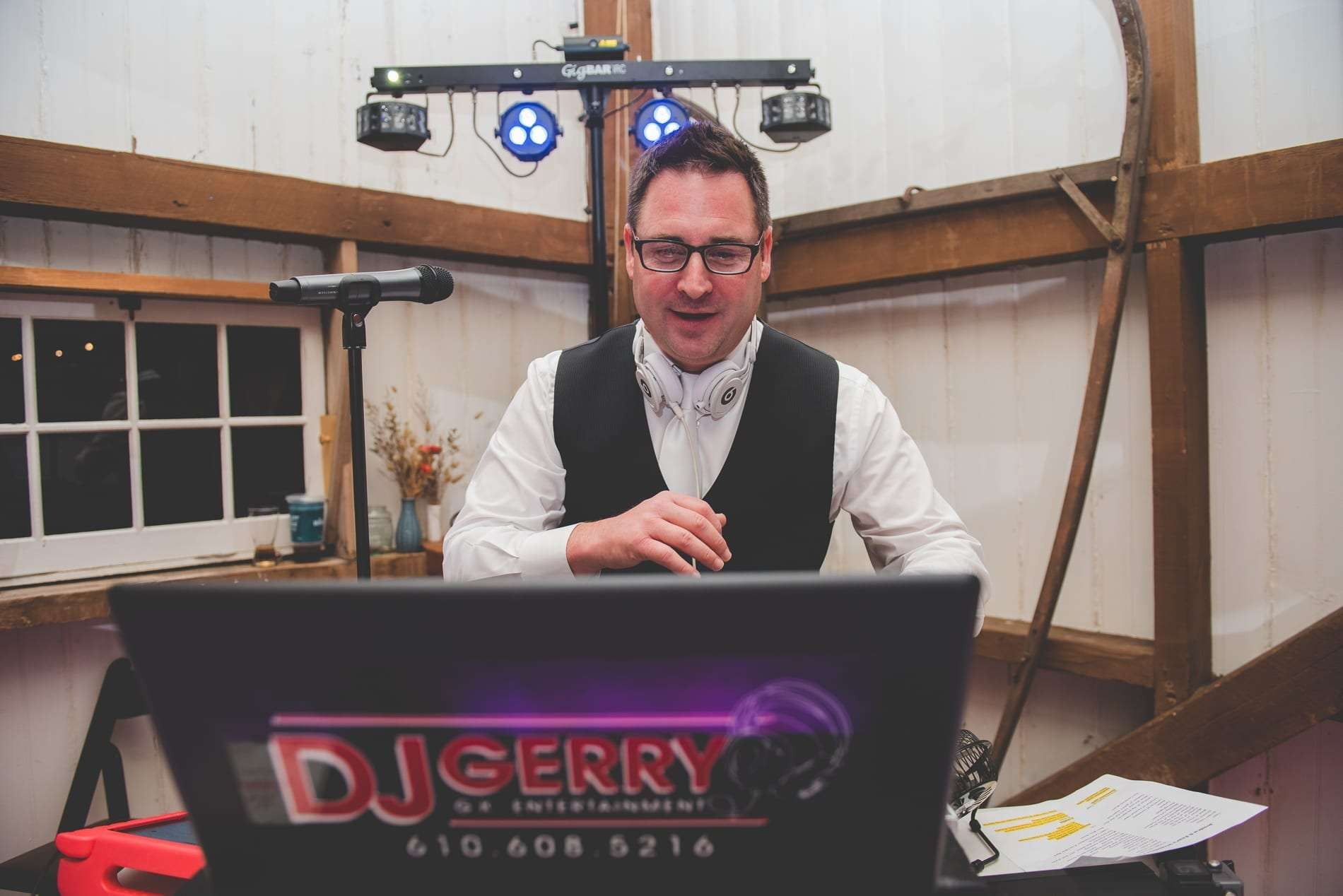 DJ Jerry Signature DJ philadelphia wedding djs