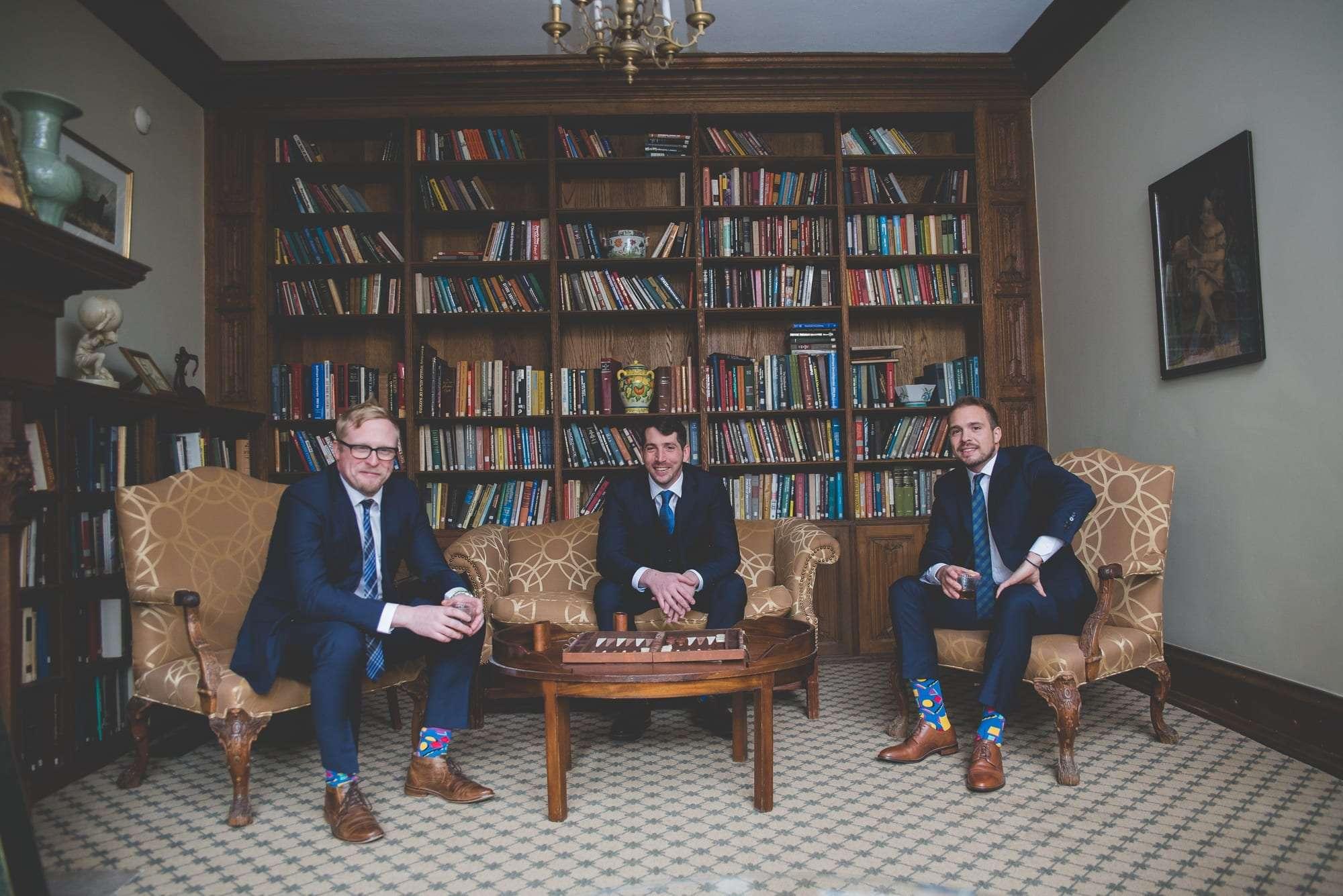 library at villanova Inn wedding photos