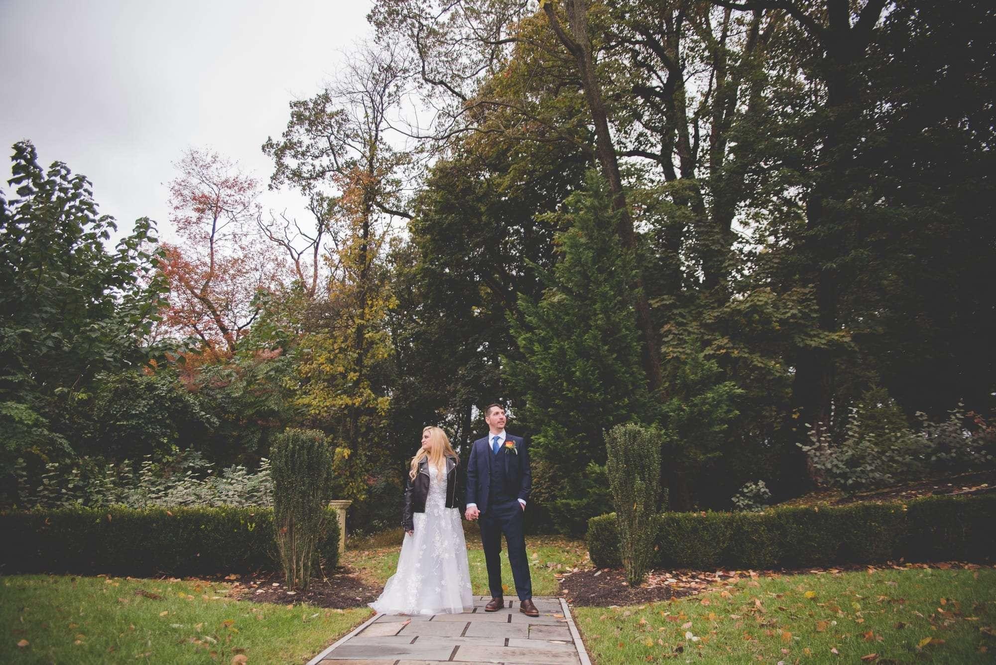 Bride and groom portraits Villanova Inn