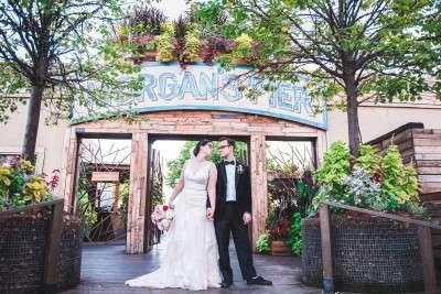 Philadelphia wedding photos at morgan street pier