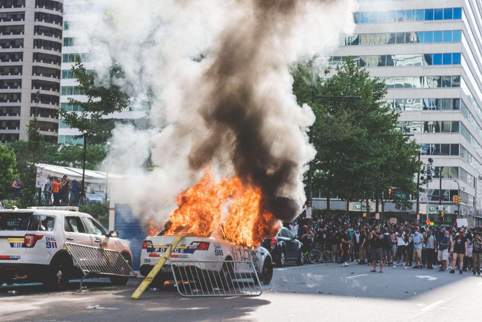 Philadelphia police car on fire Philadelphia Protests
